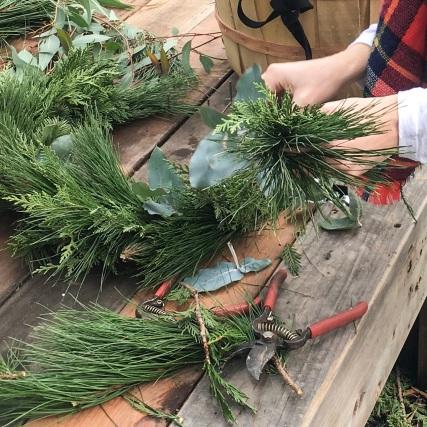tf-wreath-making