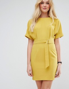 3v3 - yellow dress